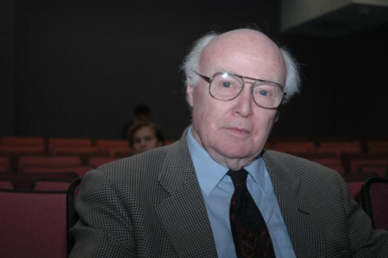درگذشت دیوید استروناخ کاوشگر اسکاتلندی پاسارگاد